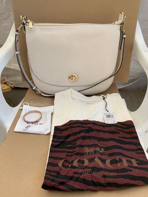 Coach Turnlock Leather Hobo Bag Coach Women's T-shirt size XL and a Coach PinkGold Hinged Bangle Iconic Glitter NWT Serious inquires only please L for Sale in Pico Rivera, CA
