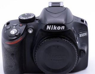 Nikon D3200 BUNDLE for Sale in Azusa,  CA