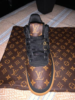 Louis V size 9 men for Sale in Anaheim, CA