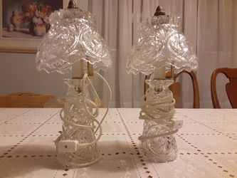 BEAUTIFUL PAIR of CRYSTAL Glass LAMPS VINTAGE 12 INCHES TALL for Sale in St. Louis,  MO
