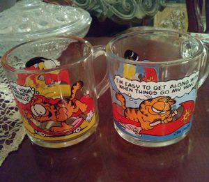 Pair (2) Garfield Collection Glass Cups for Sale in Phoenix, AZ