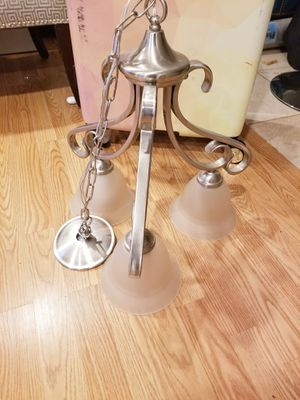 3 light fixture for Sale in Clinton, MD