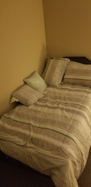 Twin new bed black leather used 4 month only for Sale in Columbus, OH