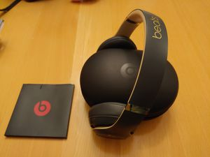 beats by Dr. Dre Studio Wireless noise cancelling headphones for Sale in Yorkville, IL
