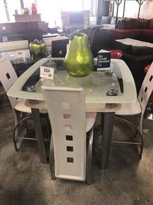 5 Piece Dining Table Set for Sale in Hialeah, FL