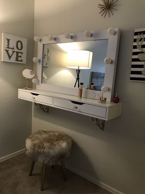 Brand New make up vanity with Hollywood luxury mirror! for Sale in Gilbert, AZ