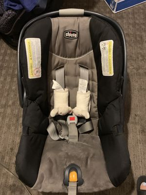 Car seat chicco for Sale in Phoenix, AZ