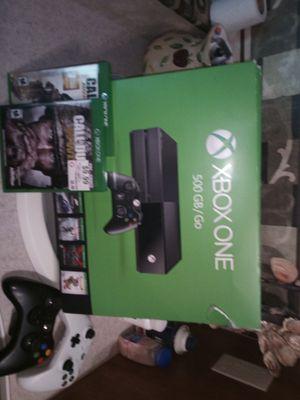 Xbox one . will except trade for xbox360 games and Cash 2 new wireless controllers and 3 games for Sale in El Cajon, CA