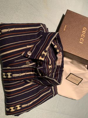 Gucci vintage buttons up shirt for Sale in Annandale, VA