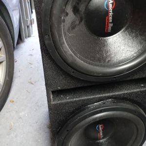 Qbox With 2 15s Bass Speakers And 2 Amps for Sale in Tampa, FL