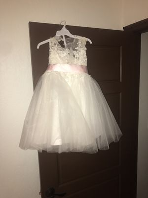 Flower girl dress size for Sale in Miami, FL