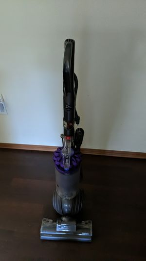 Dyson Vacuum Cleaner DC 40 for Sale in McKenna, WA