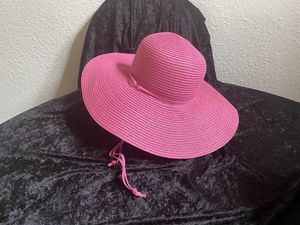 Pink Straw Hat for Sale in Temecula, CA