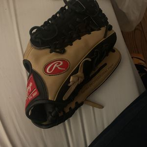 Rawlings baseball glove/mitt for Sale in Rolling Hills, CA