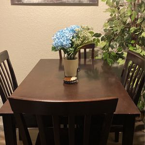 Table And Four Chairs(MPU) for Sale in Houston, TX
