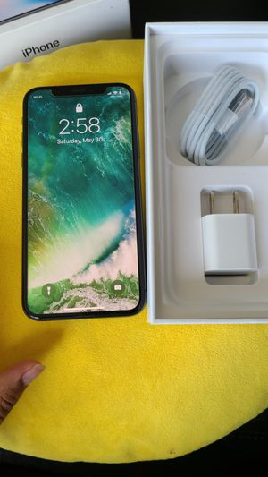 Iphone X 256gb unlocked for Sale in Glenview, IL