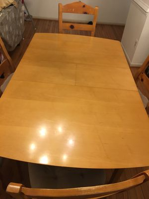 Dining table with 5 chairs for Sale in Springfield, VA