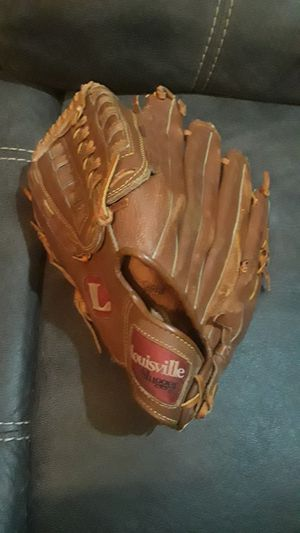 Baseball Glove for a Lefty for Sale in Homestead, FL