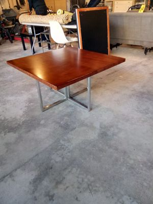 Coffee table for Sale in Renton, WA