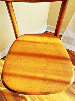 Wooden Shelby Williams Industries MCM chairs (4) with leather seat cushion. for Sale in Delaware City, DE