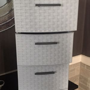 3 Drawer Gray Bin for Sale in Fall River, MA
