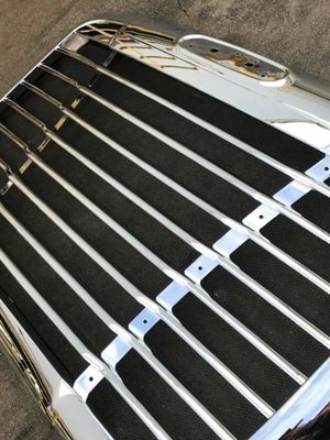 Freightliner Century Grille Chrome for Sale in Fontana, CA