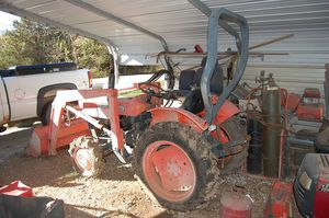 Kubota 4x4 Diesel Tractor for Sale in Bates City, MO