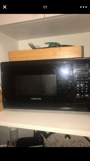 Farbwear microwave for Sale in New York, NY