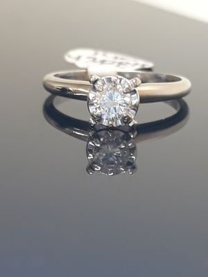 14k White Gold .20 Diamond Engagement Promise Ring 1.9 grams size 5 for Sale in Fort Pierce, FL