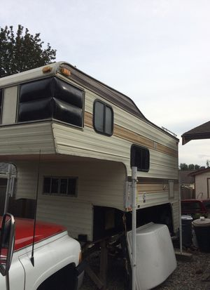 85 9 1/2 ft S&S camper for Sale in Puyallup, WA