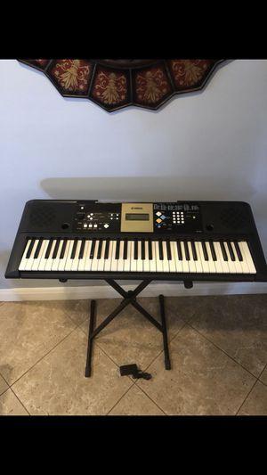 Yamaha YPT-220 music 🎶 keyboard 🎹 for Sale in Miami, FL