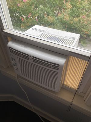 FRIGIDAIRE Window-Mounted Mini-Compact Air Conditioner for Sale in Baltimore, MD