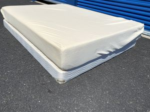 Queen size bed ! Queen size mattress and box spring set ! Memory foam mattress ! Queen mattress ! Free delivery for Sale in Sacramento, CA