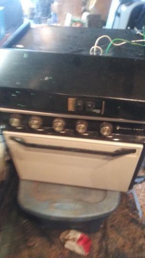 Magic Chef Camper Over/Stove for Sale in Little Rock, AR