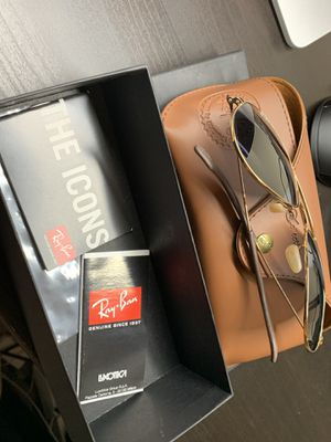 Rayban rb3025 aviator sunglasses for Sale in Phoenix, AZ