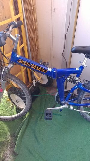 """Shimano columbia 26"""" folding mountain bike with extras for Sale in Las Vegas, NV"""
