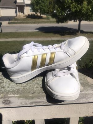 Adidas Gold/White Cloudfoam Sneakers - Women's 7.5 for Sale in Westerville, OH