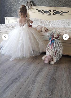 Beautiful flower girl dress (5T) for Sale in Hacienda Heights, CA