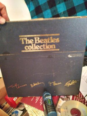Original!! Beattles vinyl. Cover slight damage but records pristine for. 60s!! Pristine version sold for 3000 on eBay recently. Obviously asking less for Sale in Justin, TX