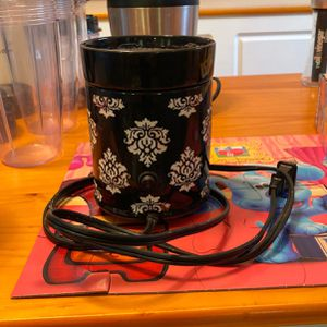 Salt Rock And Wax Warmer for Sale in Geneva, NY