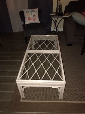 Wicker and glass coffee table 4ft for Sale in Kihei, HI