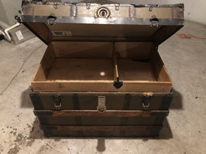 Antique Trunk for Sale in Smithtown, NY