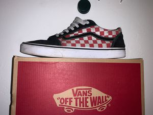red checkered old school vans// size 11 for Sale in Bunnell, FL