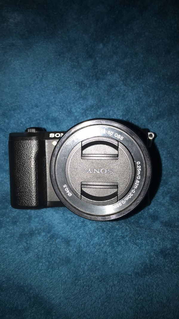 Sony - alpha a1500 mirrorless come with lens ( no battery pack )