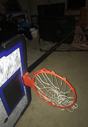Basketball Hoop,Goes up to 10ft+ for Sale in Milwaukee, WI