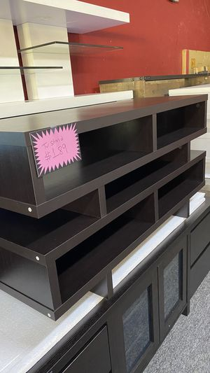 Brown Wooden Tv stand Fits yp to 55'' TV 50XV for Sale in Grapevine, TX
