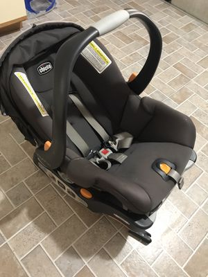 Chicco car seat for Sale in Fort Lauderdale, FL