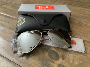 Ray Ban Aviator 58mm and 62mm Silver Mirror lenses silver frame sunglasses for Sale in Las Vegas, NV