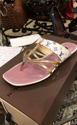 Sandalia / zapato Louis Vuitton size 35.5 brand new for Sale in Miami, FL