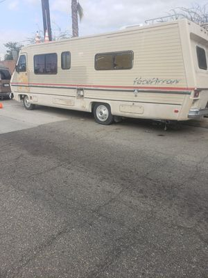 1987 Chevy pacearrow.motorhome runs great for Sale in Los Angeles, CA